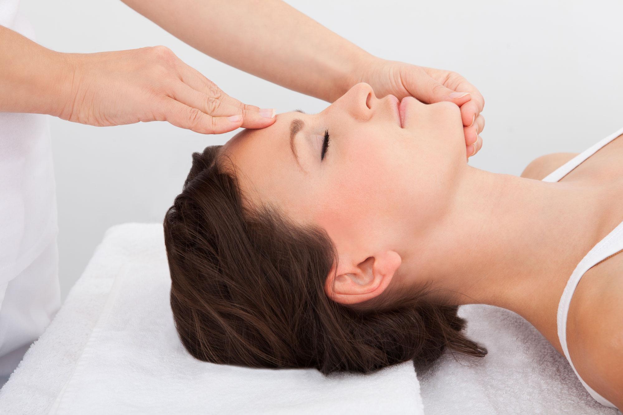 Que tipo de massagens faciais existem